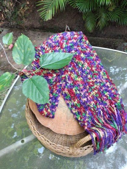 O Cachecol de lã Color é para a mulher líder de opinião, bem como alegre e positiva!