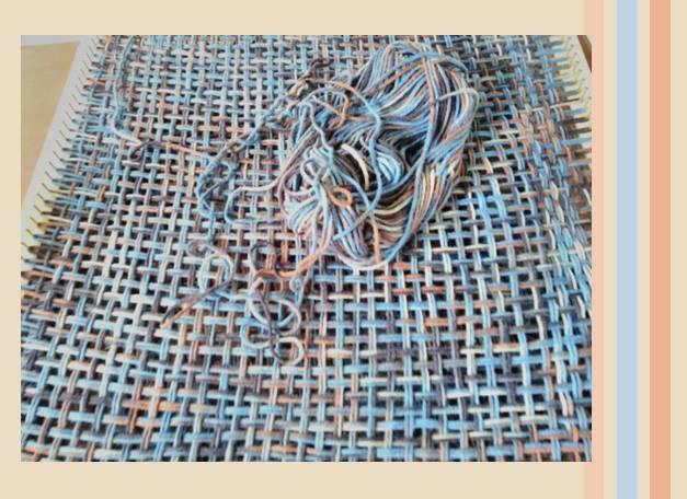 Na trama dos fios de lã, técnica, paciência e ensinamento.