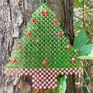 Enfeite natalino Árvore de Natal é uma criação para você colocar na porta da sua casa no período de Festas.